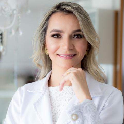 Dra. Carolina Borges Basílio Guimarães