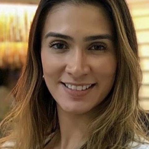 Dra. Leticia Vilela Pinheiro