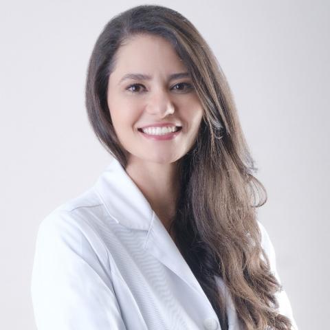 Dra. Harielle Asega