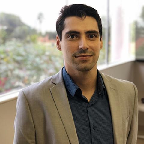 Dr. Leonardo Andrade