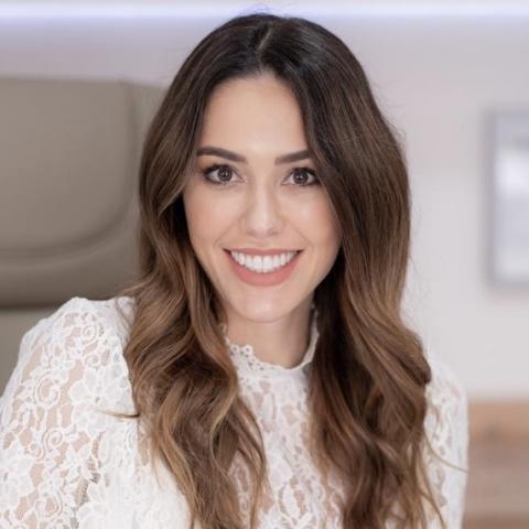 Dra. Haline Meneses